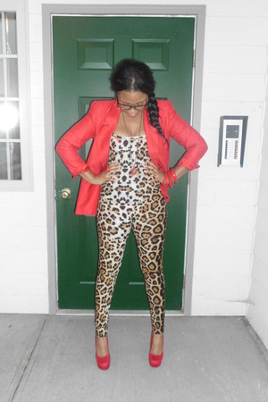 red blazer - brown cheetah romper - red Steve Madden pumps