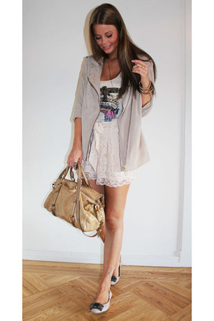 silver jacket - neutral bag - off white shorts