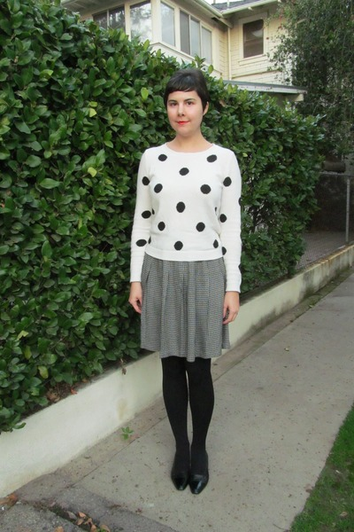 black Target tights - white Forever 21 sweater - black thrifted vintage skirt