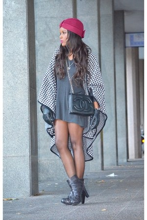 black fama boots - black Mango dress - black Chanel bag - white vintage cape