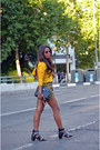 Gold-lacoste-shirt-black-chantylli-shorts-bershka-heels
