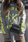Chartreuse-fama-boots-black-zara-leggings-black-vintage-bag