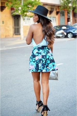 light blue H&M top