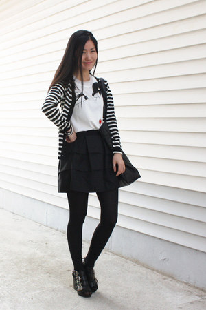 4buckle shoes - volume skirt skirt - cardigan - lanvin for hm t-shirt