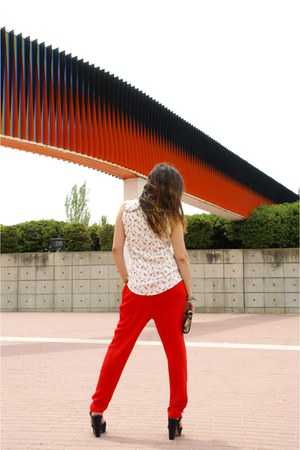 silver el corte ingles bag - red el corte ingles pants - black Bershka wedges