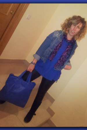 blue Zara sweater - black Señorita boots - blue Zara blazer - blue purse
