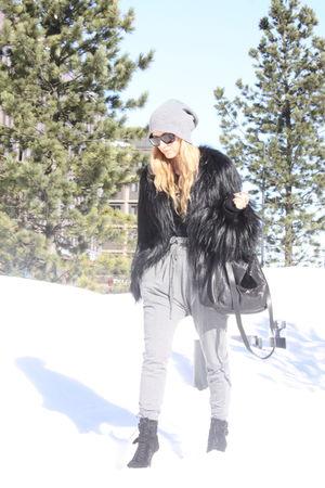 black Topshop coat - gray GINA TRICOT pants - black Zara shoes - black Zara purs