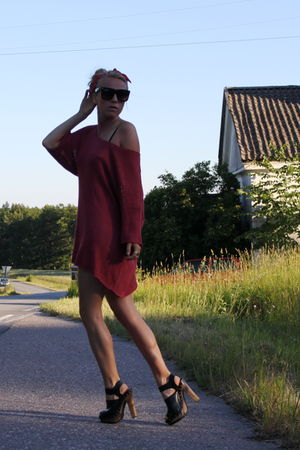 black clogs Zara shoes - red GINA TRICOT dress - white Primark dress