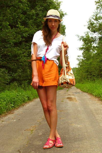 orange etno printed bag - carrot orange handmade shorts - white fringed Per Una