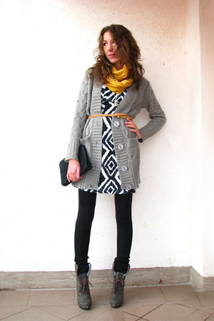 laced up boots - F&F dress - my mums scarf - knitted Cubus cardigan