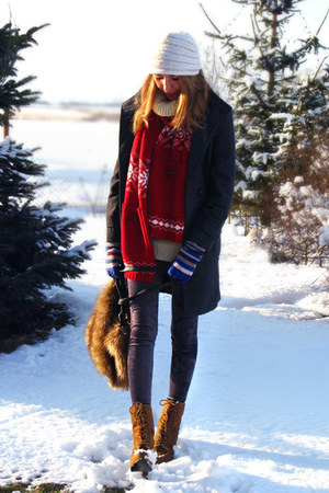 red knit H&amp;M scarf - burnt orange laced up Primark boots - ivory vintage hat