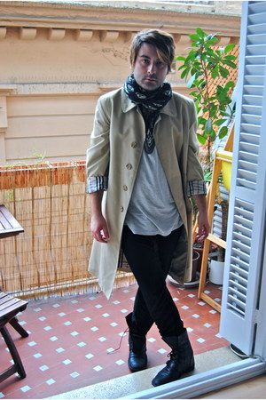 Zara boots - Burberry Prorsum coat - H&M leggings - Polo Ralph Lauren shirt - Al