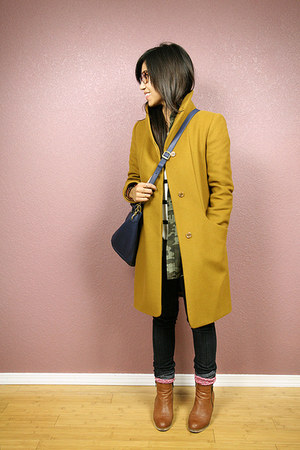 camel Aritzia Wilfred coat - navy JCrew bag - ruby red JCrew socks