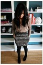 F21-sweatshirt-f21-skirt-uo-belt-indigo-by-clarks-boots
