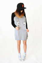 heather gray chicnova shirt