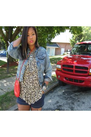 red purse - beige shirt - blue shorts - blue jacket - silver necklace - black bo