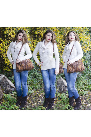 Bata boots - camaieu sweater - pull&bear bag