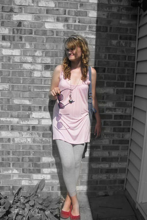 pink Wetseal blouse - silver Stitches leggings - red Target shoes - Old Navy pur