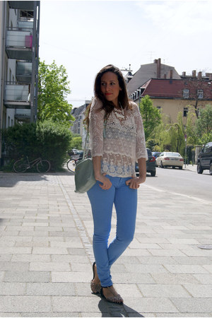 sky blue Zara jeans - cream lace Zara sweater - aquamarine Bimba&Lola bag