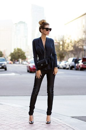 black jeans - dark gray shirt