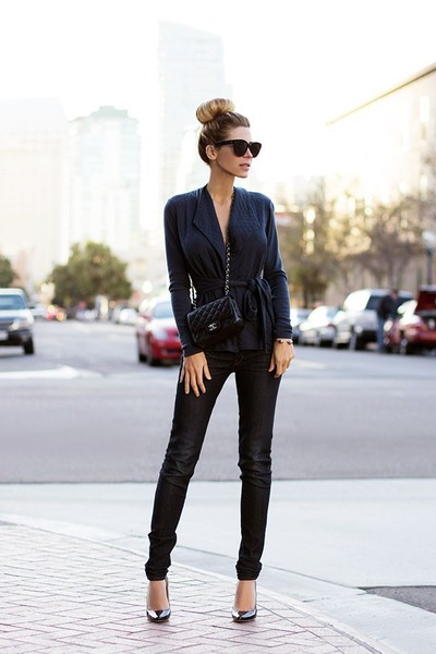 black jeans - dark gray shirt