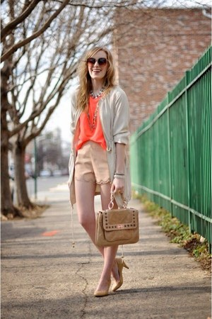 coral shirt - nude shorts