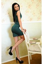 forest green Zonia dress - black heels