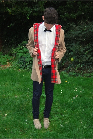 vintage coat - united colors of benetton t-shirt - H&amp;M tie - Topman belt - april