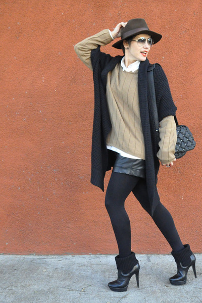 black corello boots - dark brown Cury hat - light brown wool zoomp sweater