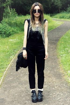 black boots - black pants
