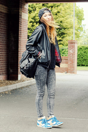 gray Internacionale jeans - black Motel Rocks jacket - sneakers