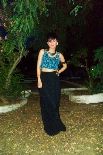 turquoise blue H M top - black Bershka skirt