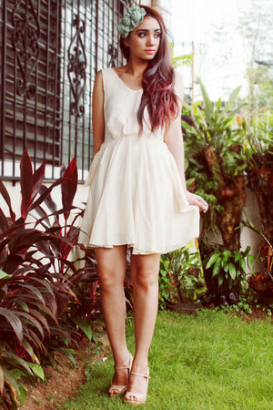 ivory backless romwe dress