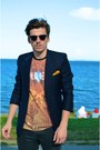 Ray-ban-sunglasses-bershka-t-shirt-zara-pants