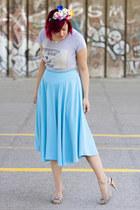 flower crown hair accessory - sky blue midi vintage skirt - t-shirt - necklace