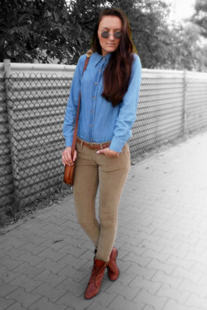 brick red vintage shoes - blue H&M shirt - brick red vintage bag