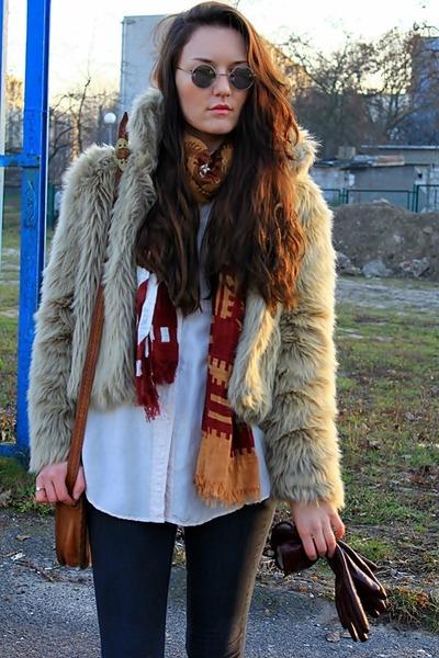 cream AE Woman Faux Fur jacket - cream c&a shirt - ruby red kaapahl scarf