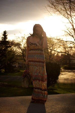 Forever 21 dress - Oscar de la Renta scarf - B Makowsky bag - by boe bracelet