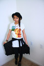Black-windsor-hat-white-hot-topic-shirt-gold-forever21-necklace