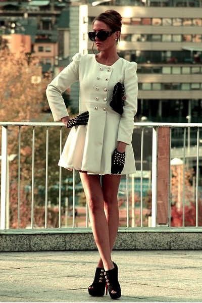 ivory R jacket - light brown R accessories - black Zara accessories