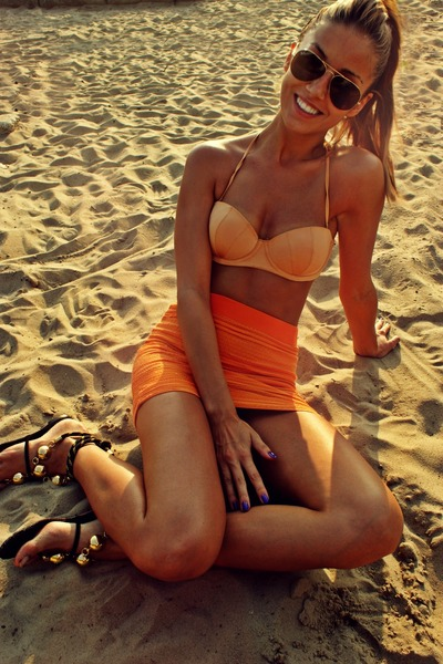 orange bandage raus skirt - nude bra H&M swimwear