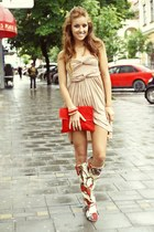 crimson summer raus boots - tan cotton raus dress - ruby red velur raus bag