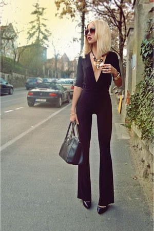 black Prada bag - tan meli melo sunglasses - black Dsquared2 heels