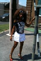blue Rue 21 t-shirt - Forever 21 skirt - black bracelet - red Christian Loubouti