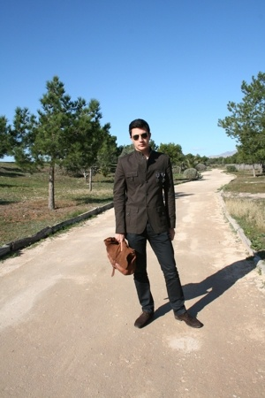 Zara accessories - Zara jacket - Zara shoes - Sfera jeans - Ray Ban sunglasses