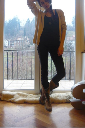 beige second hand boots - black Cheap Monday jeans - cotton GINA TRICOT top - me