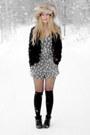 Gray-club-couture-shorts-black-club-couture-socks-black-vintage-blazer-neu