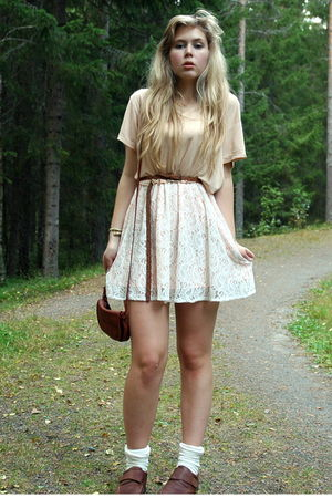 white lacy Monki skirt - brown loafers second hand shoes - beige short H&M shirt