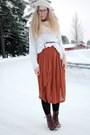 Burnt-orange-monki-dress-white-moms-sweater-white-h-m-hat