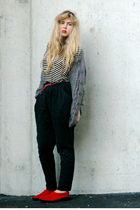 gray knitted frk cardigan - flats second hand shoes - white striped Zara sweater